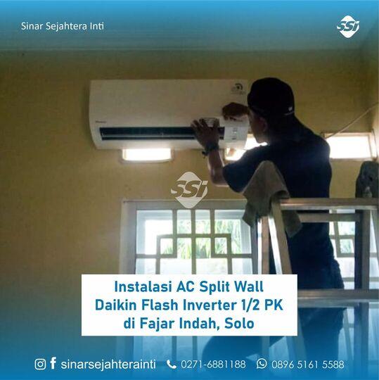 Instalasi AC Split Wall Daikin Flash Inverter 1/2 PK di Fajar Indah, Solo